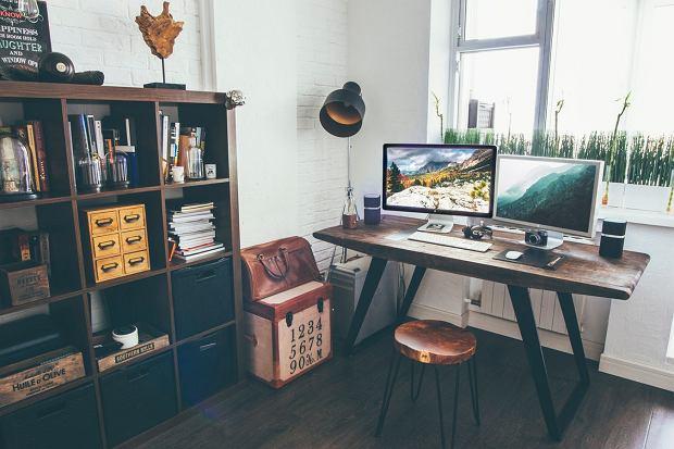 Jak funkcjonalnie urządzić domowe biuro?