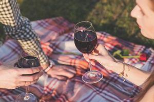 Otwieraj wino ze swoją dziewczyną... ale najwyżej raz w tygodniu [WYSOKIE OBCASY EXTRA]
