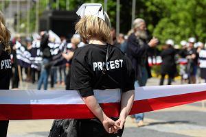 Służba zdrowia nadal marnie opłacana. Przez Sejm w dwa dni przeszła ustawa zamrażająca płace