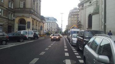 Kierowcy ignorują kontrapas na Mokotowskiej