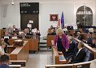 Dlaczego ustawa o ustroju sądów powszechnych jest niekonstytucyjna. Druk nr 563 - senacki biały kruk