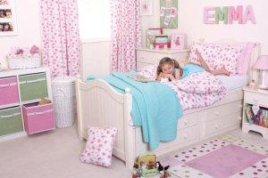 Pokój dziewczynki: usłany różami