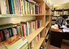 Rz�d wspiera czytelnictwo. Miliony na promocj�, ale nie na szkolne biblioteki