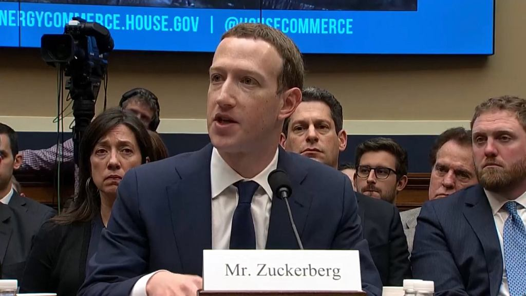 Mark Zuckerberg przed komisją amerykańskiego Kongresu