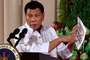 """""""Zbiorę cię helikopterem do Manili i wyrzucę"""". Tak groził prezydent. Teraz się wymiguje"""