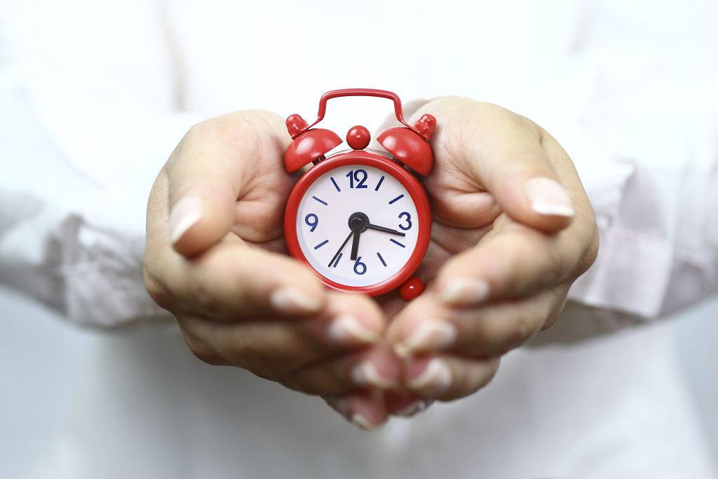 Zegar to tylko symbol i nie chodzi sztywne trzymanie się godzinowej rozpiski, a świadomość zmian i możliwości organizmu