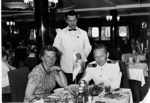 Z żoną, Ireną Meissner z Cichockich, na pokładzie 'Batorego', 1954 r.