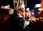 Czterech chi�skich g�rnik�w uwi�zionych od pi�ciu dni w kopalni gipsu w Szantungu nadal �yje