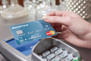 Koniec z limitem 50 zł dla płatności zbliżeniowych bez PIN? To możliwe
