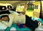 Taxi zamiast hotelu | Wideo