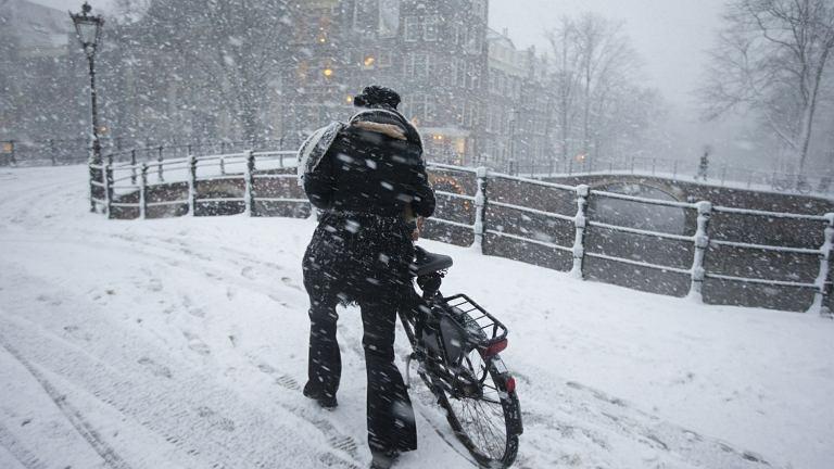 Amsterdam zasypany sniegiem