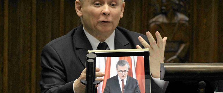Kaczy�ski z tabletem, Paw�owicz z... kanapk�.  Te kadry zapami�tamy z VII kadencji Sejmu