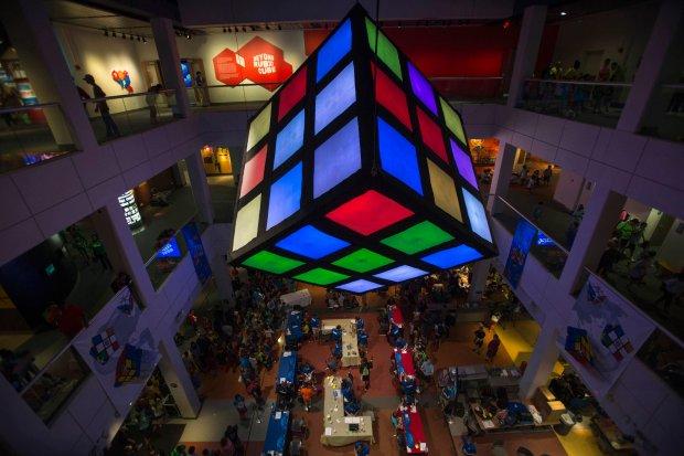 Polacy zdominowali mistrzostwa Europy w uk�adaniu kostki Rubika. Wygrali w a� o�miu kategoriach