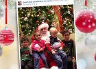 Gdy wszystkie dzieci podchodzą do św. Mikołaja, te maluchy stoją z boku. Ktoś to zauważył [PIĘKNA AKCJA]