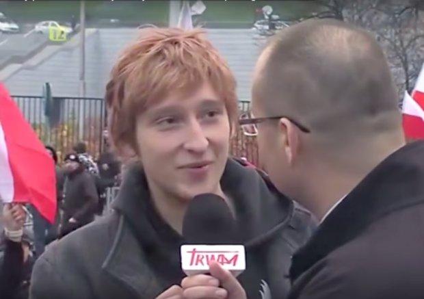 """""""Czy mog� pozdrowi� babci�?"""". Ch�opak zakpi� z reporter�w TV Trwam"""