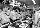 McDonald's już 25. rok działa w Polsce. Tak to się zaczęło [ZDJĘCIA]