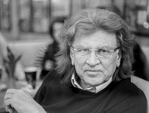 Pokochaliśmy go za niezwykłe poczucie humoru, dystans do siebie, wielkie serce i oczywiście za muzykę. 22 maja 2018 roku przypada pierwsza rocznica śmierci jednego z najbardziej utalentowanych polskich muzyków - Zbigniewa Wodeckiego.