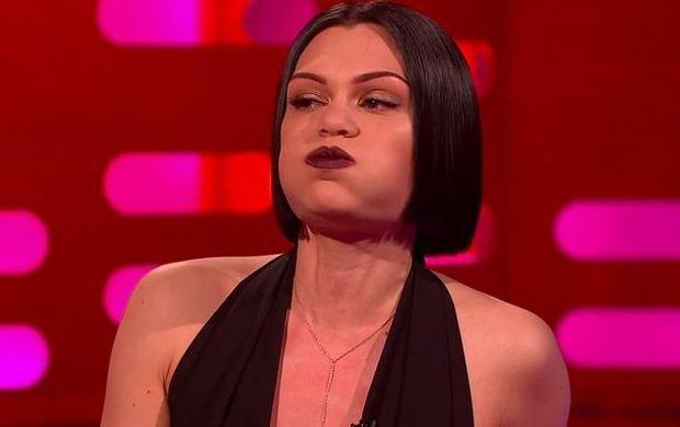 Nie wiecie, kim jest Jessie J? Nie szkodzi. Od tej pory będzie się Wam kojarzyło ze śpiewaniem z ZAMKNIĘTYMI ustami
