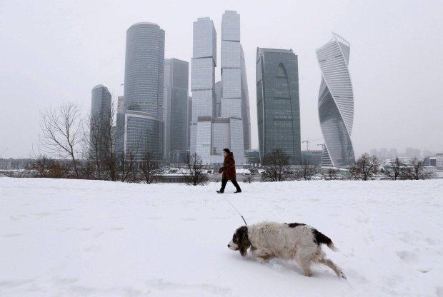 Spadek cen ropy grozi Rosji kryzysem