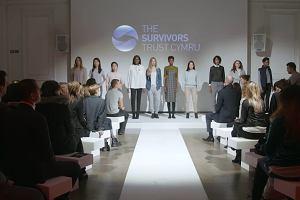 """Przyszli na pokaz """"najbardziej prowokujących kreacji"""". Pokazano im ubrania ofiar gwałtów"""