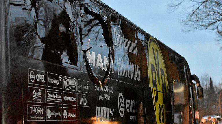 Tak wyglądał autokar BVB po wybuchu.