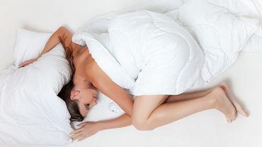 Jak zasnąć w upał?