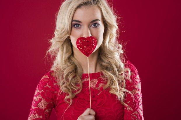 A może święto 15 lutego - Dzień Singla - powinno stać się równie popularne, co obchodzone dzień wcześniej święto zakochanych? W końcu liczba singli we współczesnym społeczeństwach jest bardzo wysoka.