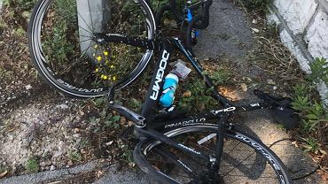 Zniszczony rower Chrisa Froome'a