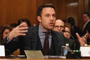 """Affleck przemawia� w Senacie. Wspiera�y go �ona i c�rka. W�r�d senator�w aktor z """"Batmana"""""""