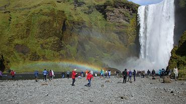 Władze Islandii chcą edukować turystów, że nie muszą kupować wody w sklepach