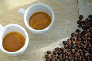 Kobiety pij� tylko lekk� kaw�, a m�czy�ni mocne espresso?