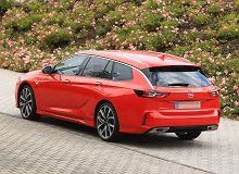 260-konny Opel Insignia kombi przyłapany bez żadnego kamuflażu