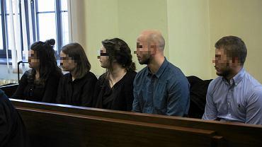Młodzi ludzie oskarżeni o publicznego znieważenie czci pamięci rotmistrza Witolda Pileckiego