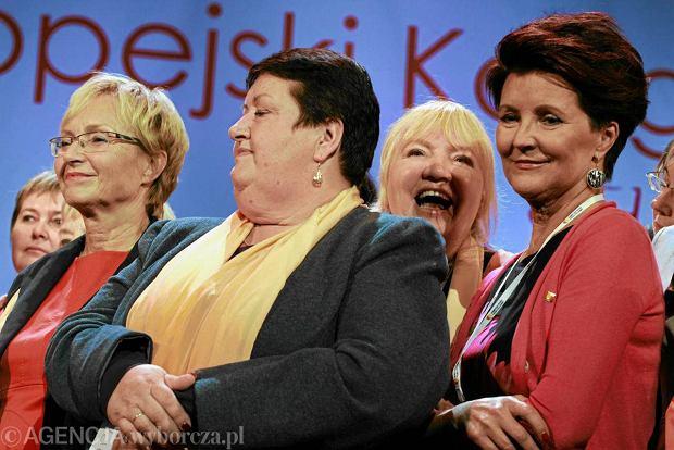 Lena Kolarska-Bobi�ska, Henryka Krzywonos i Jolanta Kwa�niewska podczas Kongresu Kobiet