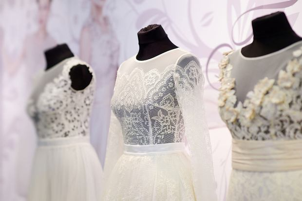 7df0ec3574 Sprzedajesz suknię ślubną  Strzeż się oszustów - wyłudzają pieniądze na  tzw. nigeryjski szwindel