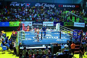 Muay thai i nocne światła Bangkoku