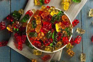 Żelki DIY, czyli prosty przepis na fit słodkości, które dodają energii