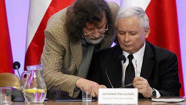 Jan Maria Tomaszewski i Jarosław Kaczyński w Sejmie w 2014 r.