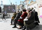 Obchody piątej rocznicy katastrofy smoleńskiej na Krakowskim Przedmieściu w Warszawie. Wtedy przed budynkiem Kordegardy wyświetlano filmy, w tym roku w jej wnętrzu odbędzie się wystawa