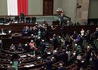 PiS odrzuci projekt zakazu aborcji? Burzliwe obrady komisji i nocna debata [PODSUMOWANIE]