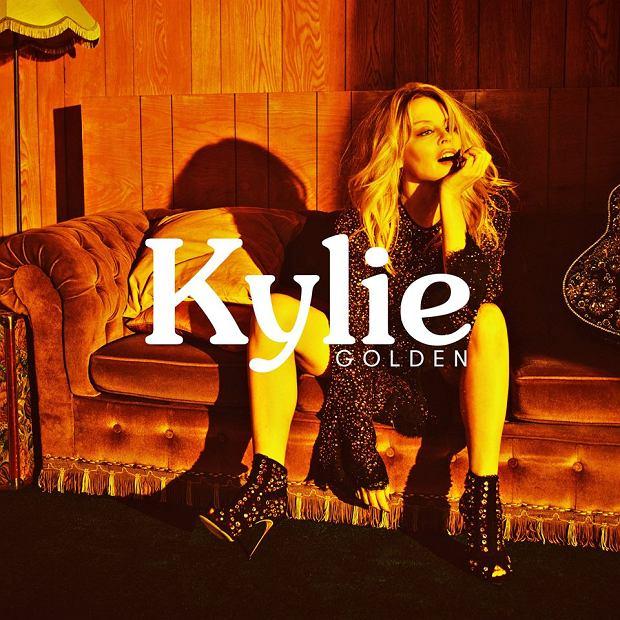"""Kylie Minogue powraca nie tylko z nowym singlem ale i albumem! Singiel nazywa się """"Dancing"""" a my już nie możemy się doczekać powrotu światowej gwiazdy do rozgłośni radiowych!"""