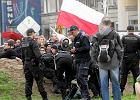 Narodowcy blokowali robotnik�w stawiaj�cych T�cz� na pl. Zbawiciela
