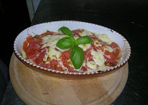 Sola na zielonym łożu pod pomidorową kołderką