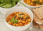 Potrawka z ciecierzycy, z anchois, parmezanem i jarmu�em
