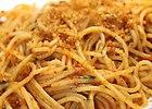 Spaghetti z suszonymi pomidorami i .. bu�k� tart�