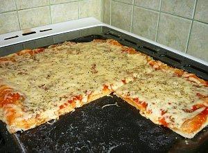 Pizza margherita - ugotuj