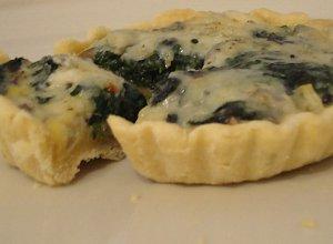 Szpinakowe tartaletki z pieczarkami i serem gorgonzola - ugotuj