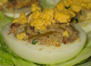 Jajka faszerowane w�tr�bk�