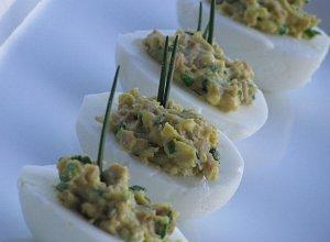 Jajka faszerowane pieczarkami - ugotuj