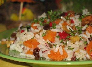 Sa�atka z ry�u, marchewki i rzodkiewek